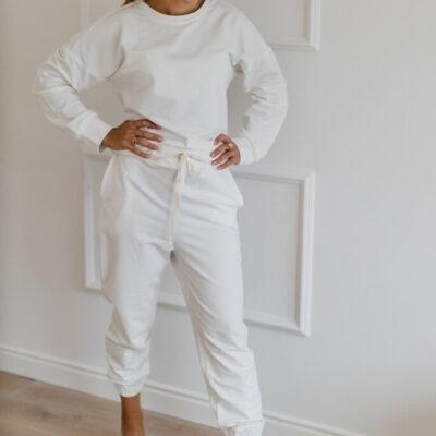 Biały komplet dresowy