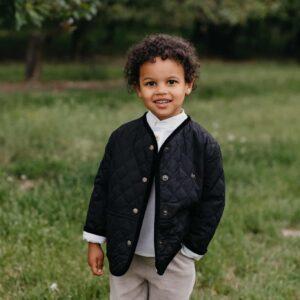 Dziecięca pikowana kurtka unisex z haftem