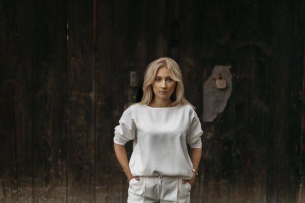 Luźna bluzka z tencelu Salma White
