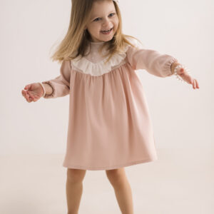 Dziewczęca sukienka różowa z falbanką