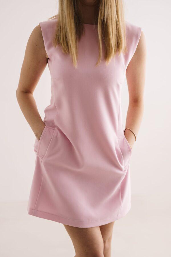 Różowa sukienka z kieszonkami