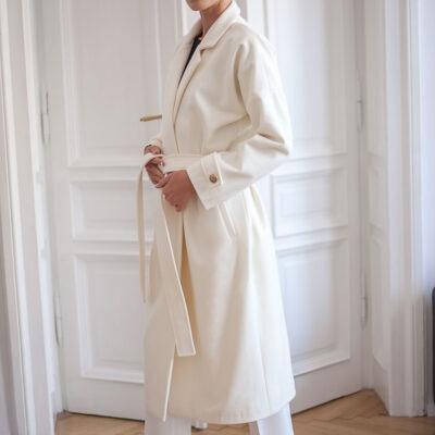 Śmietankowy płaszcz z wełny